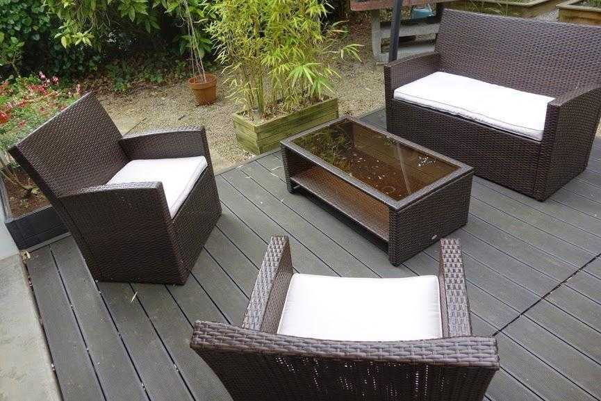 comment poser une terrasse composite sur lambourdes et plots. Black Bedroom Furniture Sets. Home Design Ideas