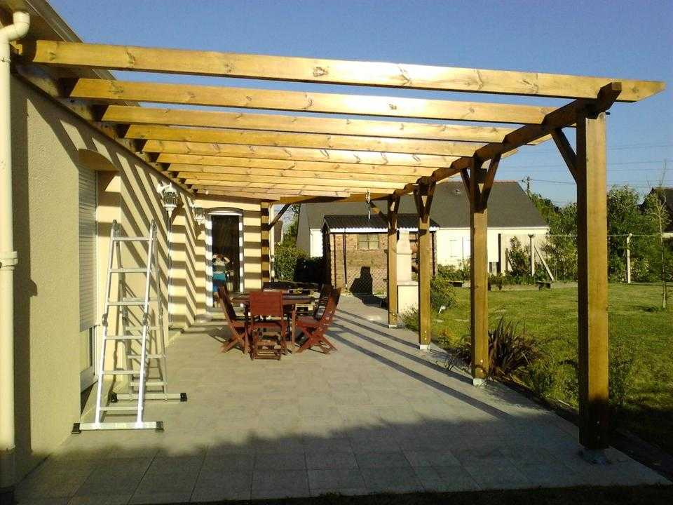 construire soi m me sa pergola en bois adoss e. Black Bedroom Furniture Sets. Home Design Ideas